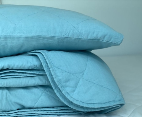 Kit Colcha e Porta Travesseiros Matelassados Azul